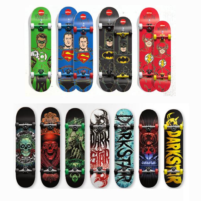 Skateboard completi supereroi Almost